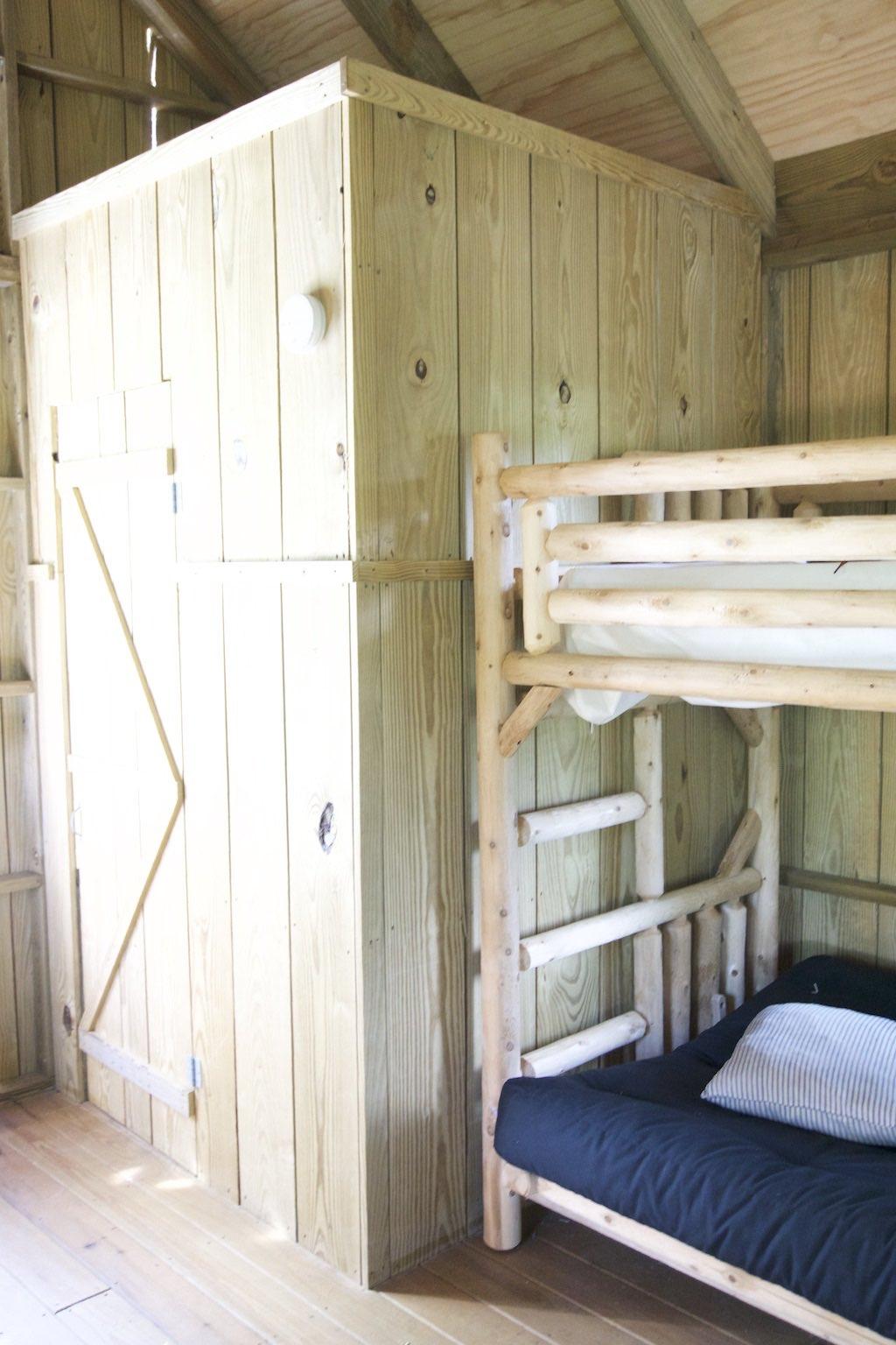 8000-dollar-riverfront-cabin-6
