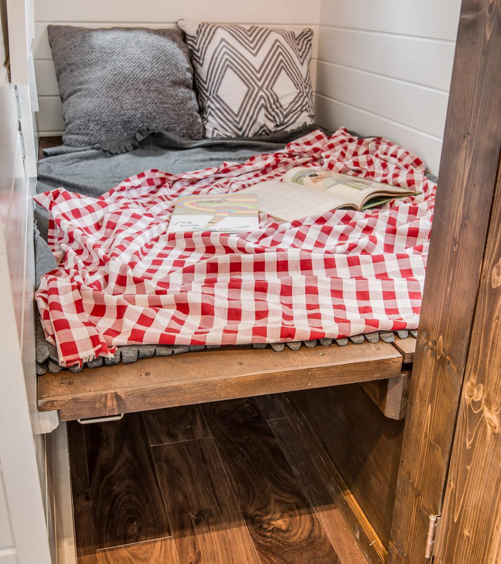 cedar-mountain-new-frontier-tiny-homes-10