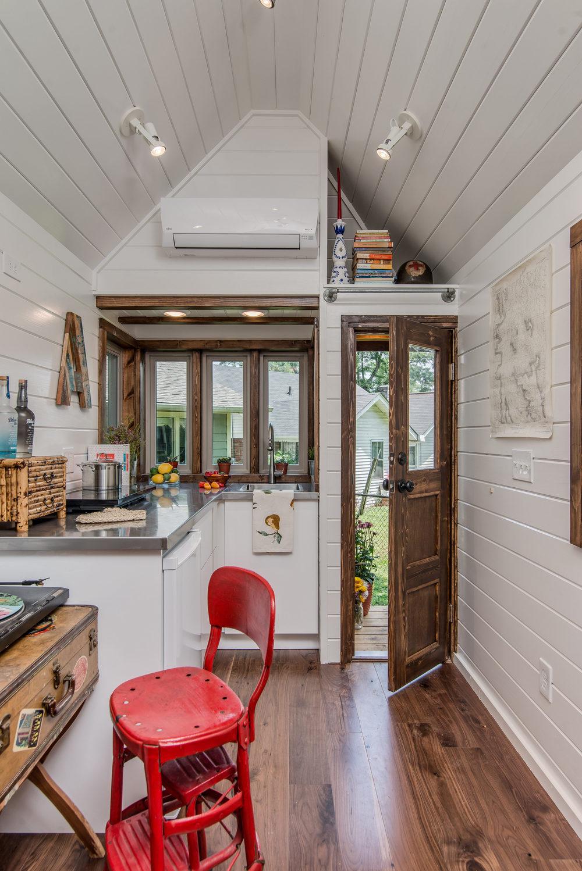 cedar-mountain-new-frontier-tiny-homes-3