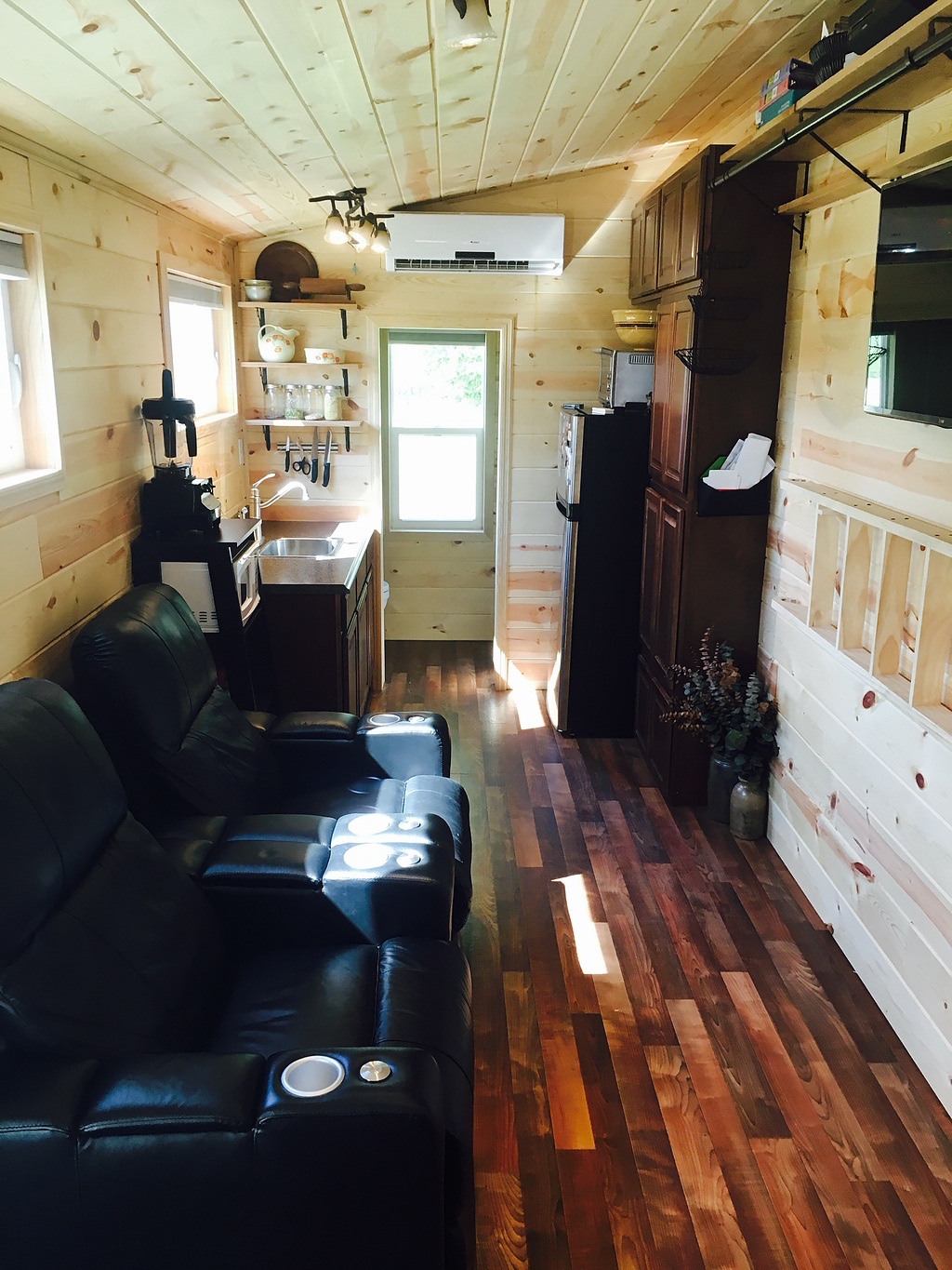 5th-wheel-tiny-house-7
