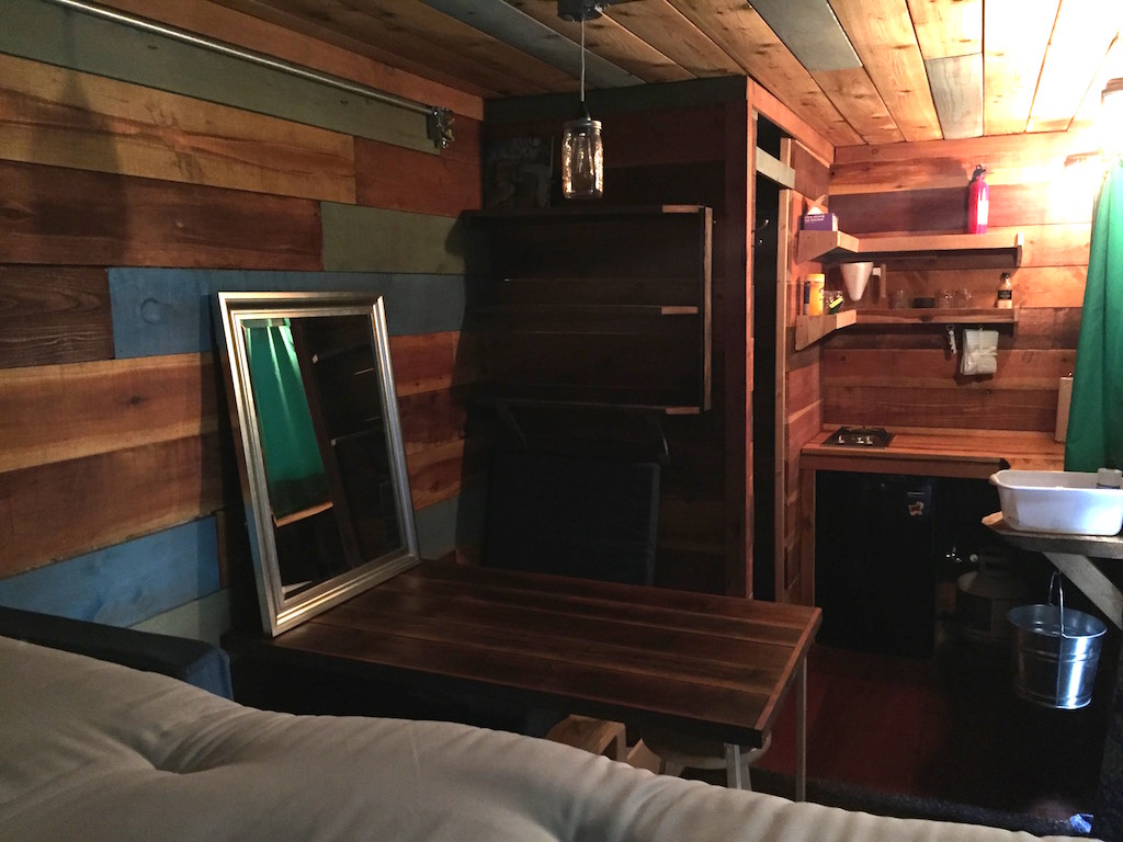 container-cabin-3