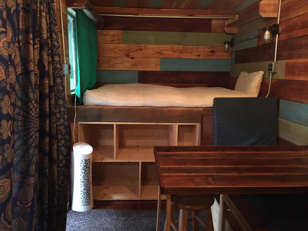 container-cabin-4