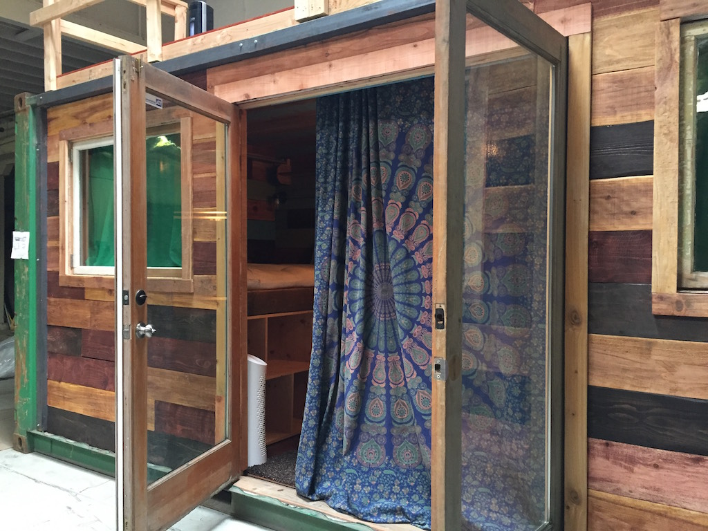 container-cabin-7
