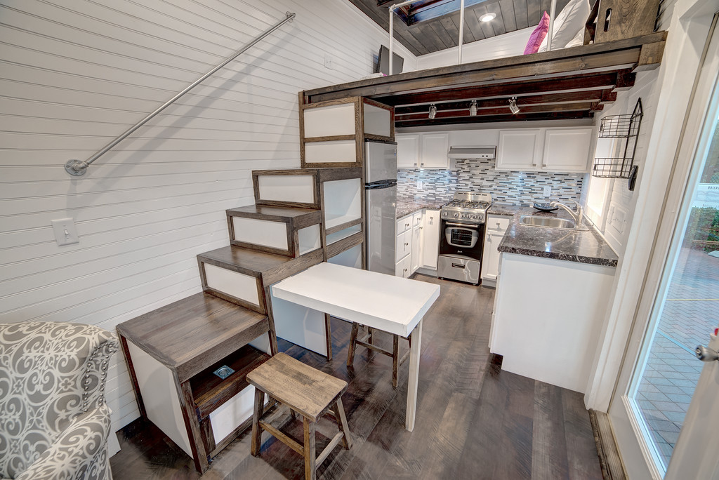 Freedom Tiny House Swoon
