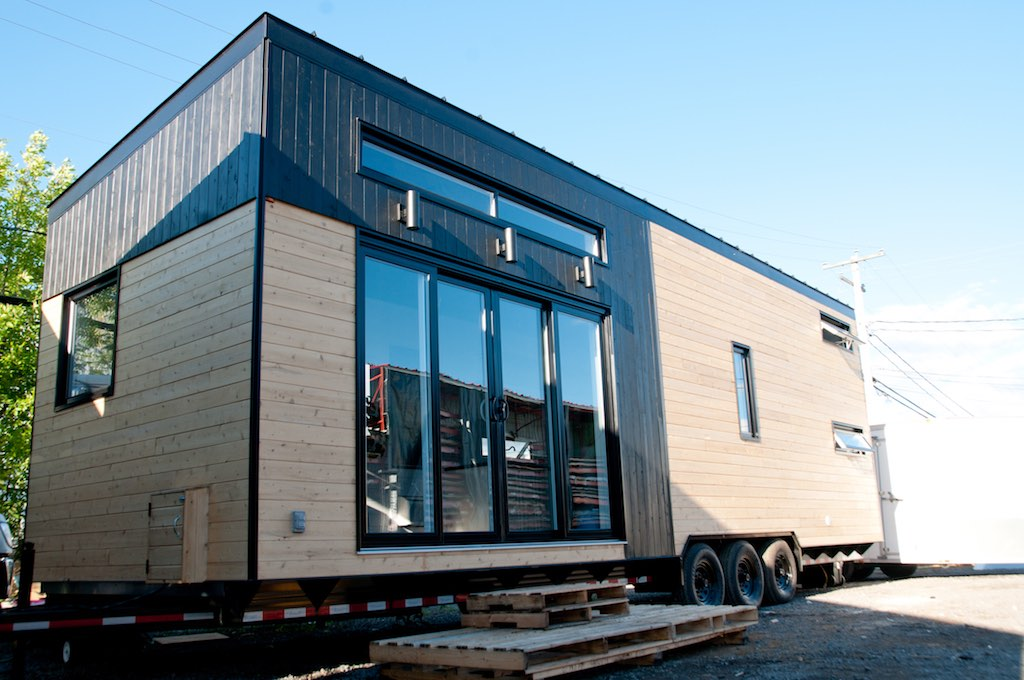 Quebec tiny house tiny house swoon for Minimalist house quebec