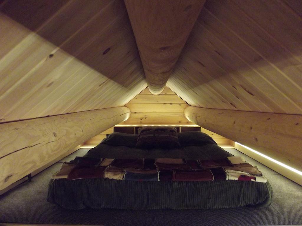 log-tiny-house-6