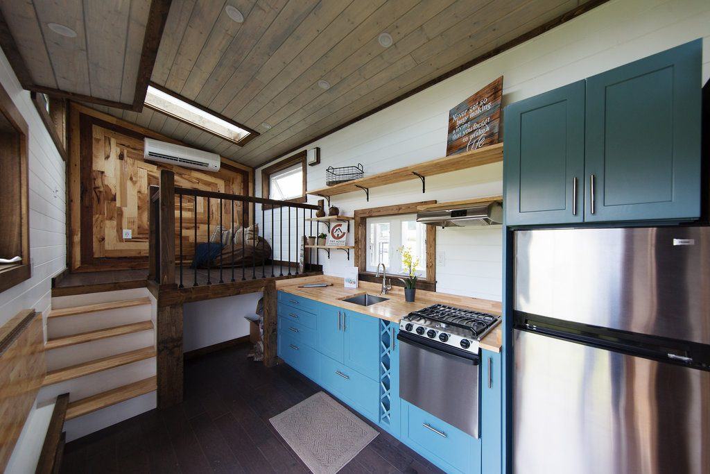 the-lookout-tiny-house-cleveland-ohio-2