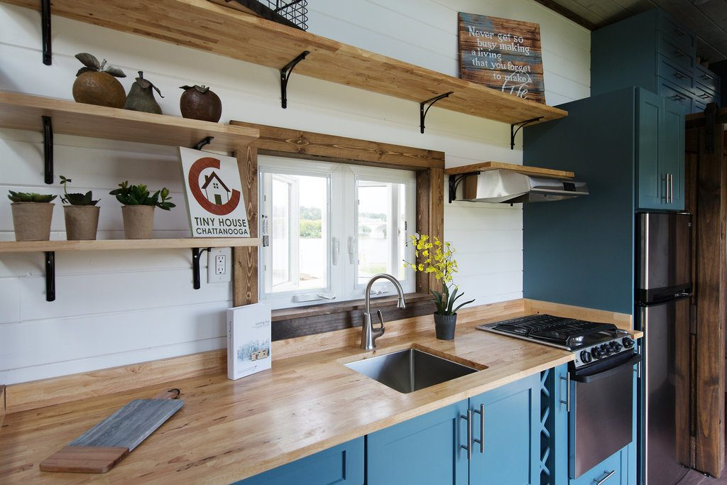 the-lookout-tiny-house-cleveland-ohio-3