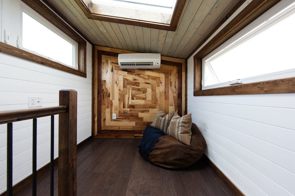 The Lookout Tiny House Swoon