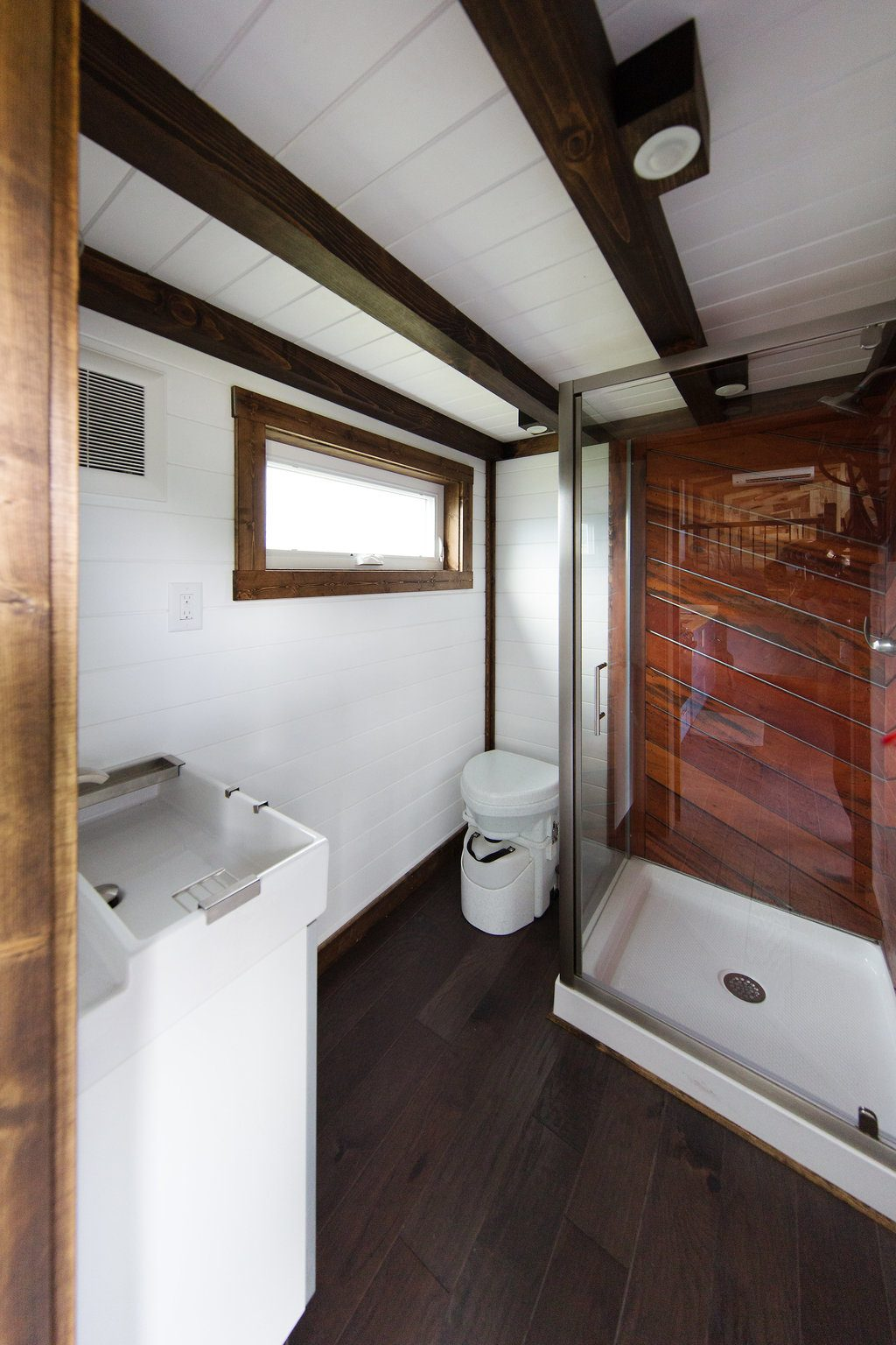 the-lookout-tiny-house-cleveland-ohio-6