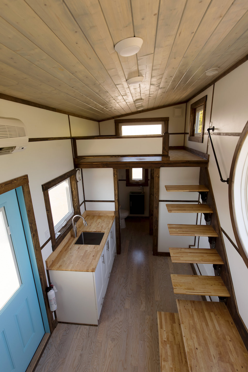 the-view-tiny-house-swoon-8