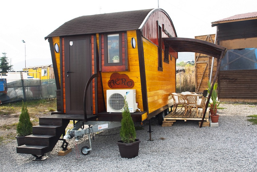 aero-camphouse-tiny-house-bulgaria-14