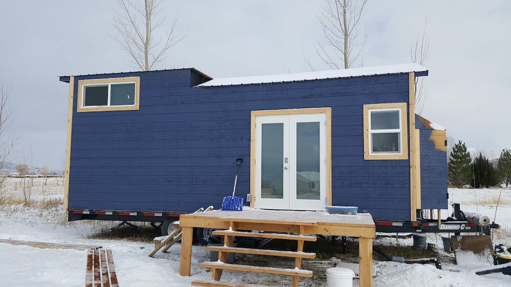 "santaquin-tiny-h</a>ouse-1″ width=""600″ class=""alignnone size-full wp-image-17123″ /></p> <p>This tiny home in Utah has been lived on by this young family with a baby for a good while now. </p> </div>
