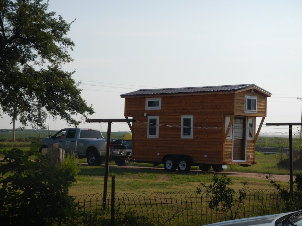 stephanis-tiny-house-college-student-1