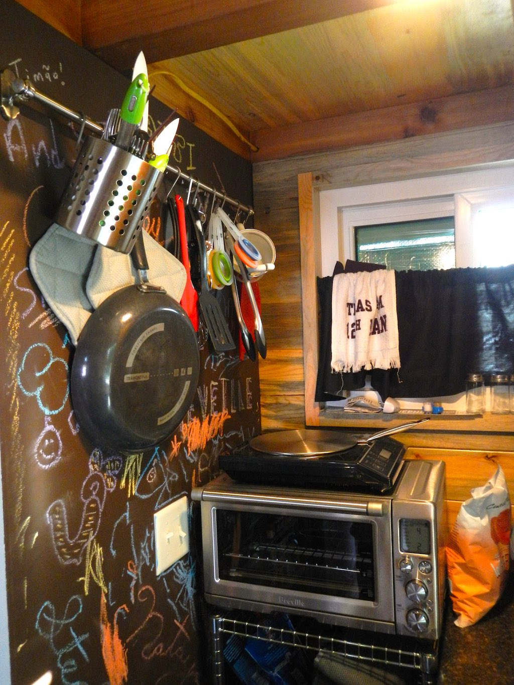 stephanis-tiny-house-college-student-4