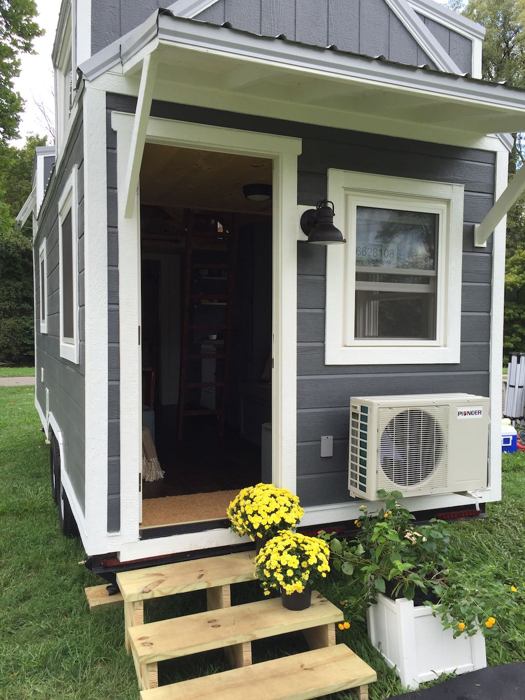 wanigan-burrow-tiny-homes-1