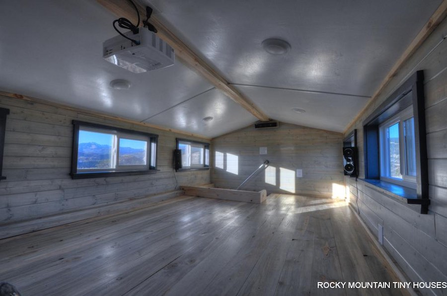 old-berthoud-blue-rocky-mountain-tiny-homes-5