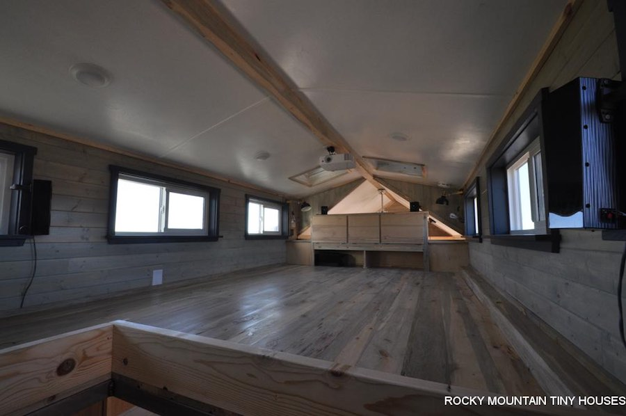 old-berthoud-blue-rocky-mountain-tiny-homes-8