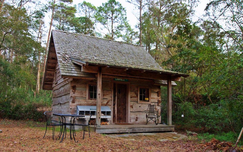 tiny-cabin-1