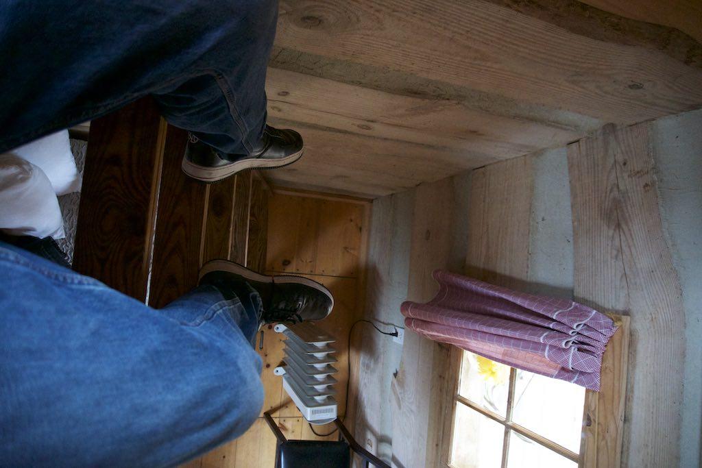 tiny-cabin-12