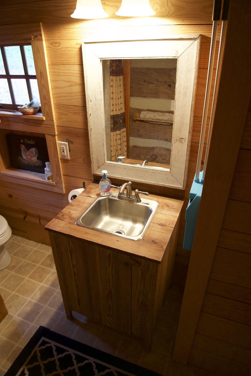 tiny-cabin-13