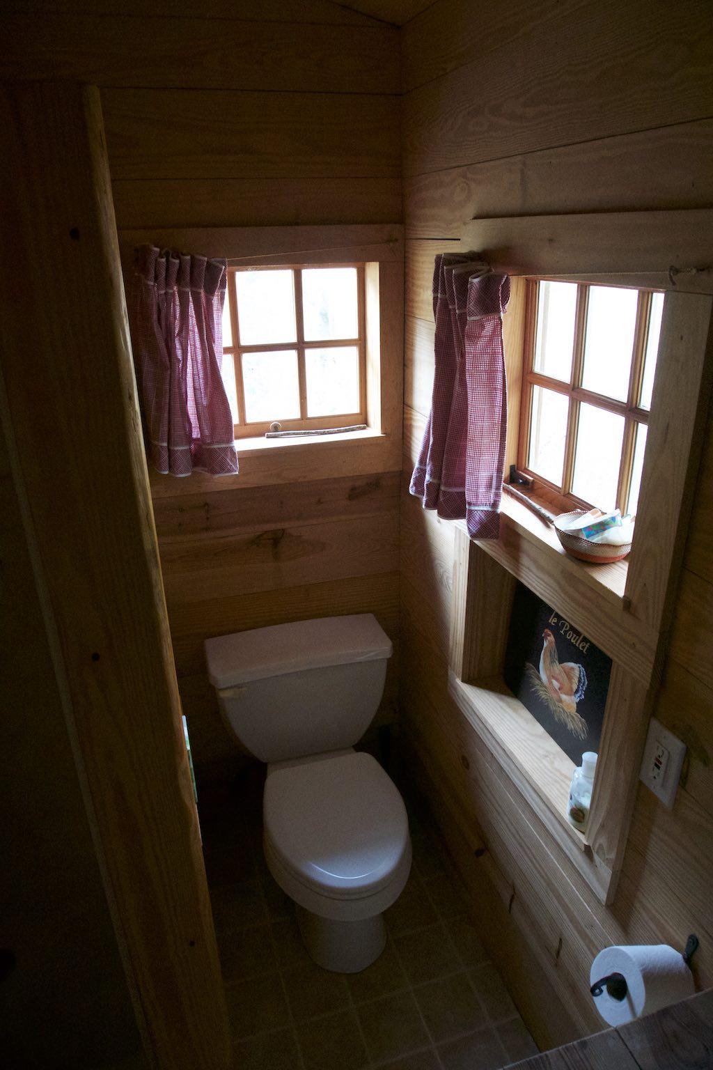 tiny-cabin-15