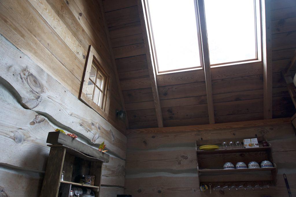 tiny-cabin-22