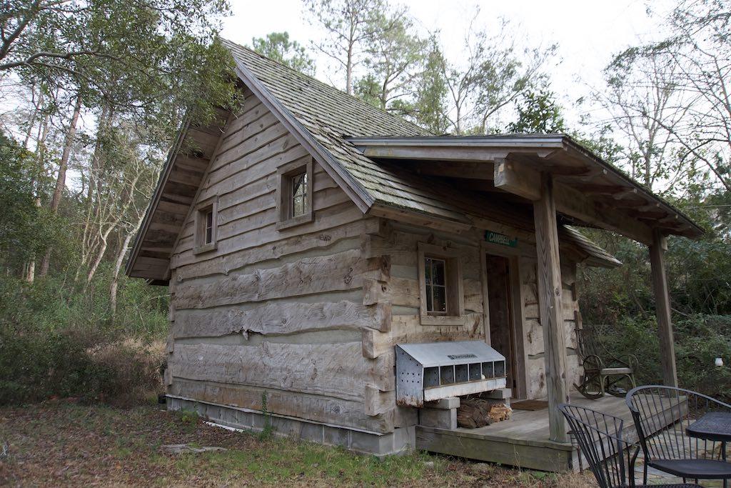 tiny-cabin-26