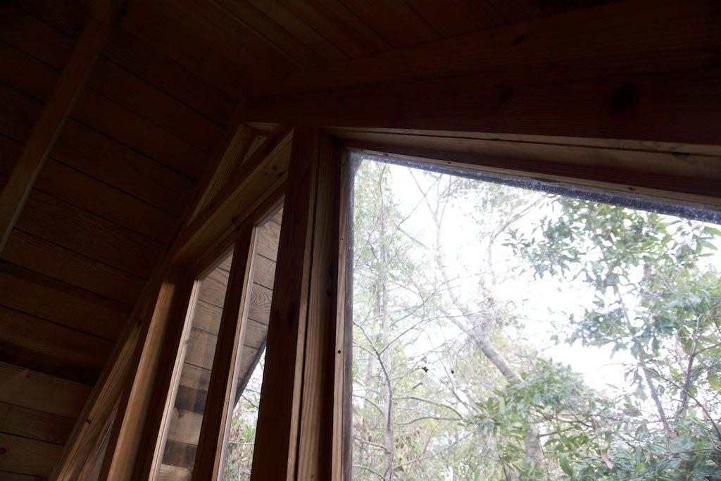tiny-cabin-8