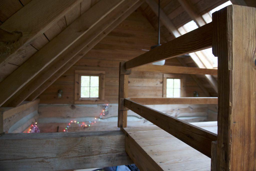tiny-cabin-9