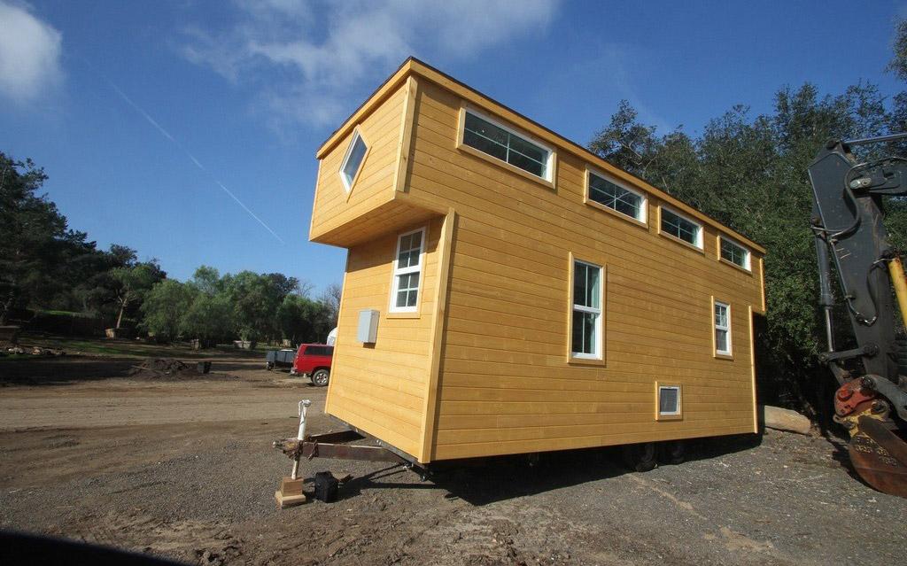 tiny-house-caravan-1