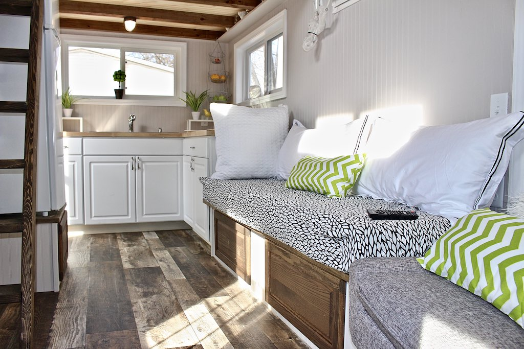 chic-shack-lime-green-mini-mansions-tiny-homes-12