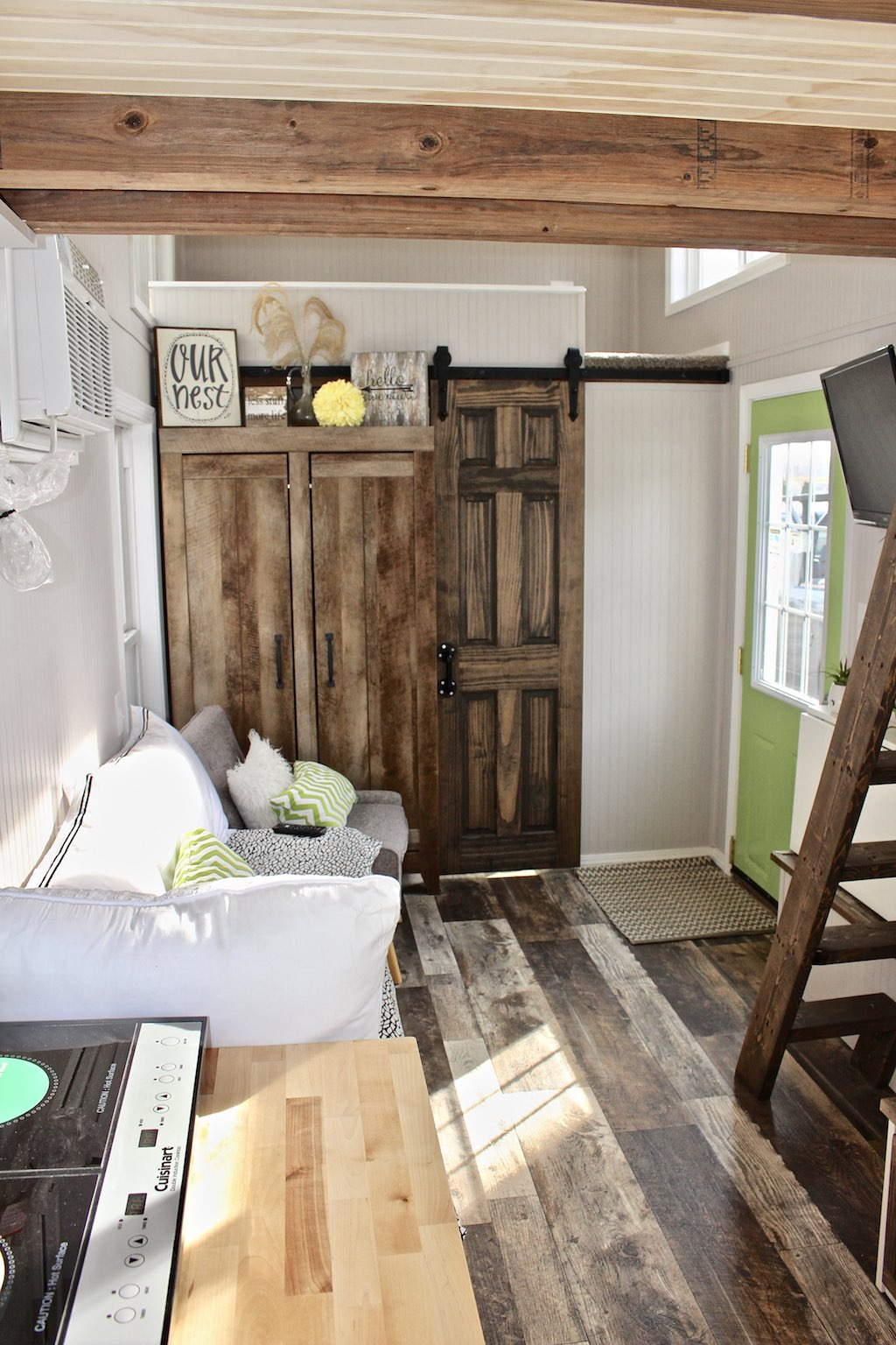 chic-shack-lime-green-mini-mansions-tiny-homes-14