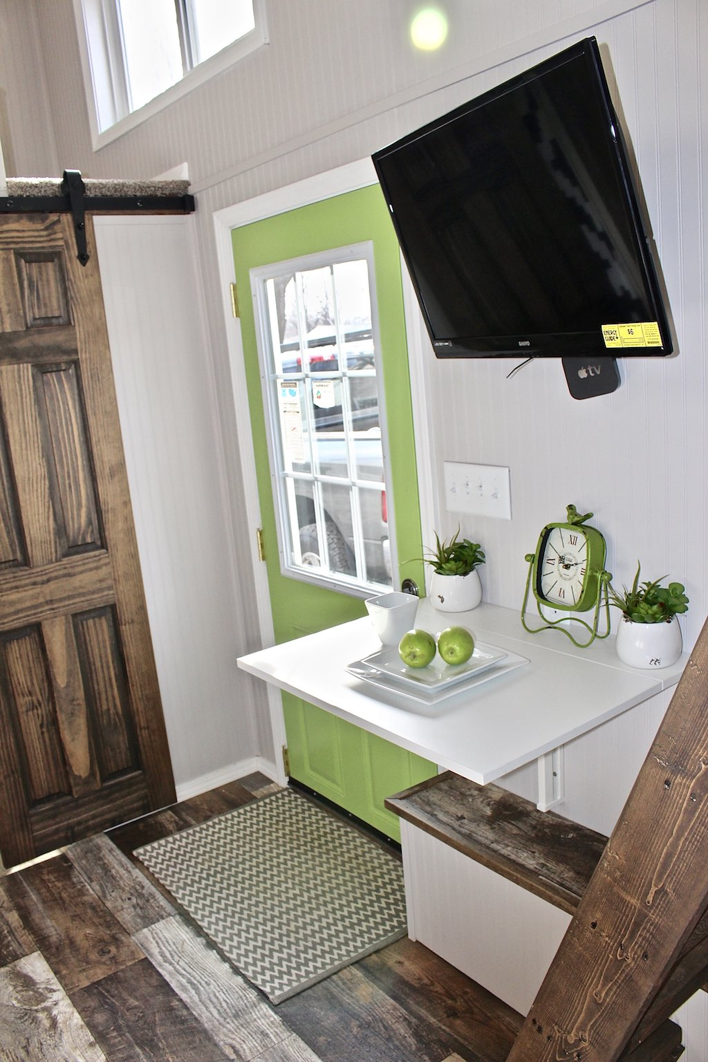 chic-shack-lime-green-mini-mansions-tiny-homes-4