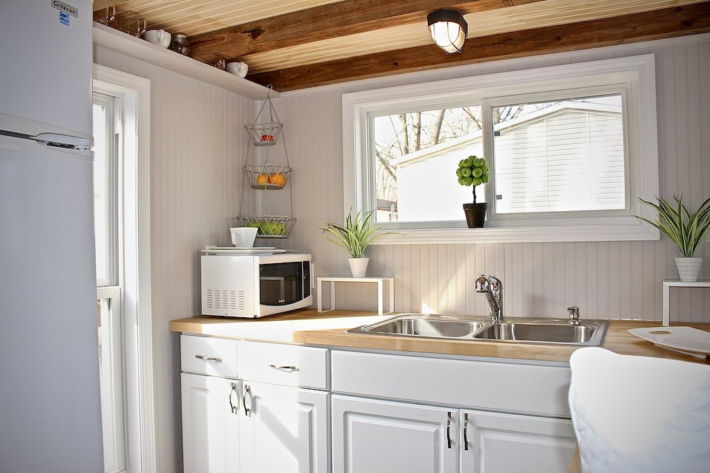 chic-shack-lime-green-mini-mansions-tiny-homes-9