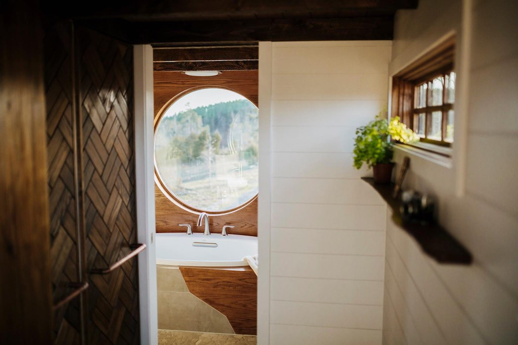 the-monocle-wind-river-tiny-homes-10