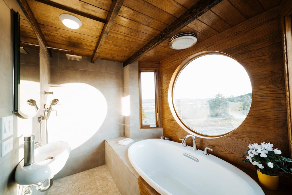 The monocle tiny house swoon for Tiny house walk in tub