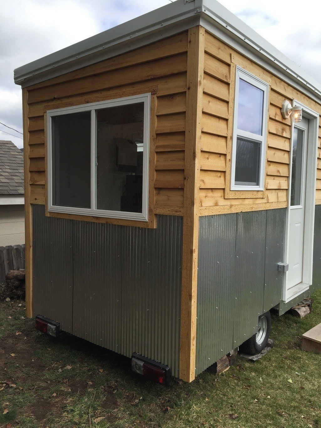92-square-feet-tiny-house-2
