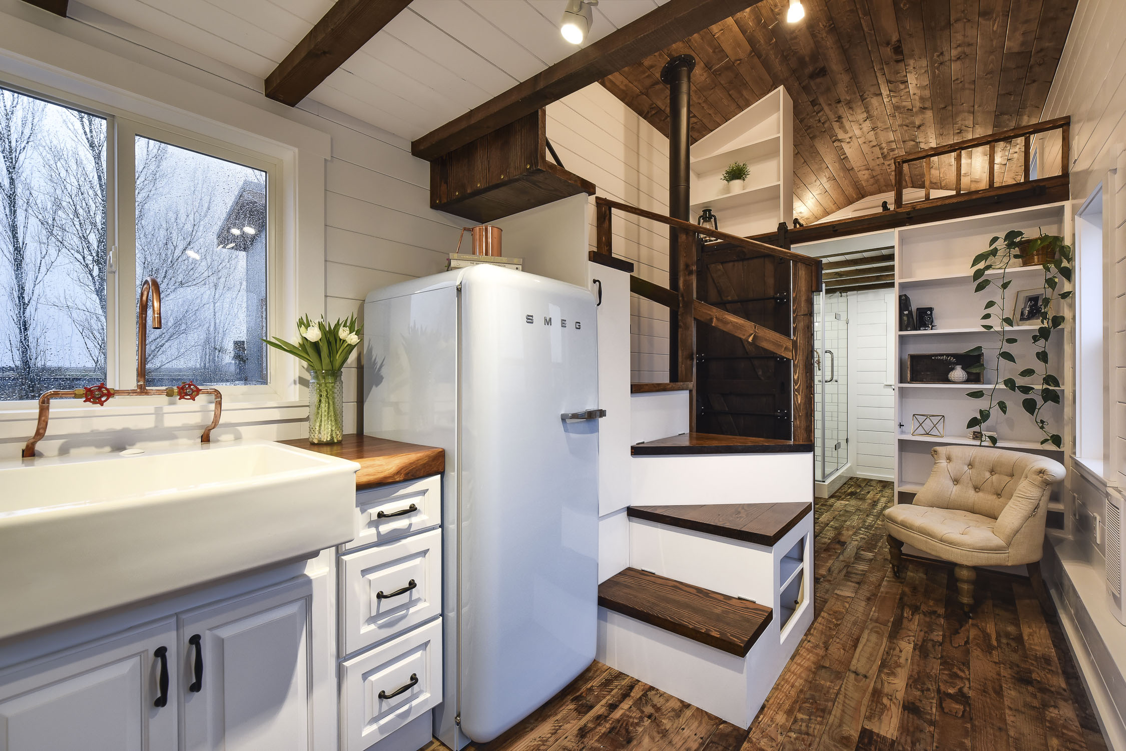 Rustic Loft Tiny House Swoon