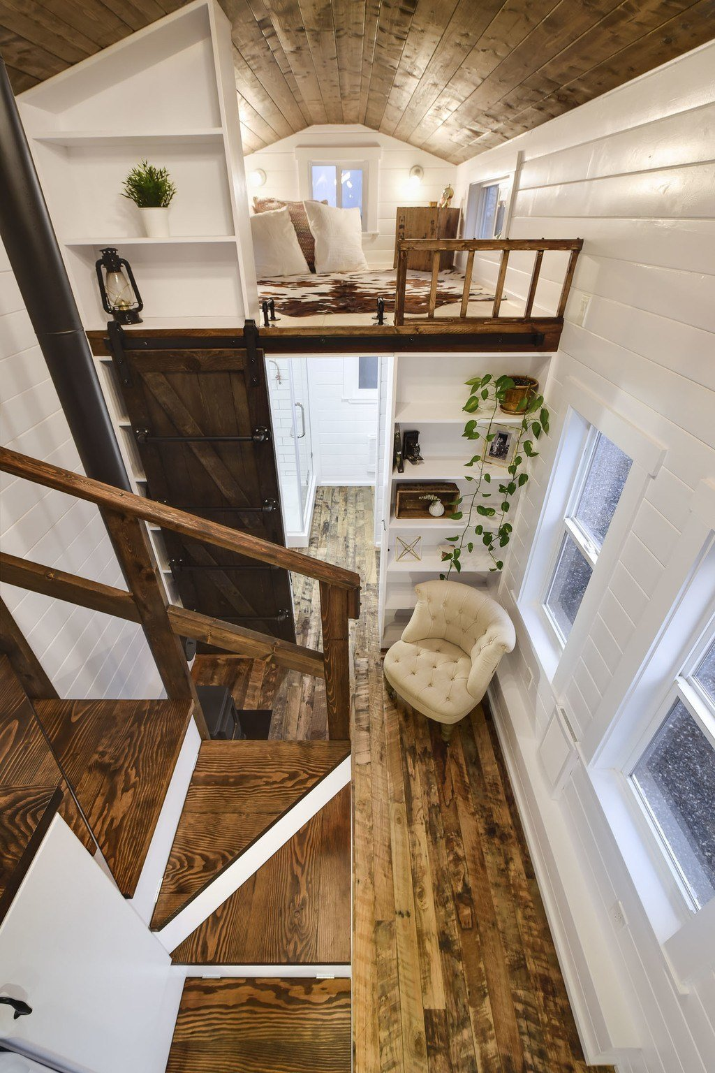 Rustic loft tiny house swoon for Small house with loft