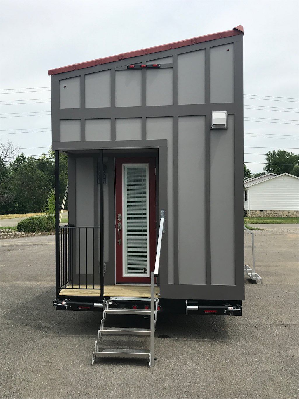 24-gooseneck-tiny-house-chattanooga-2