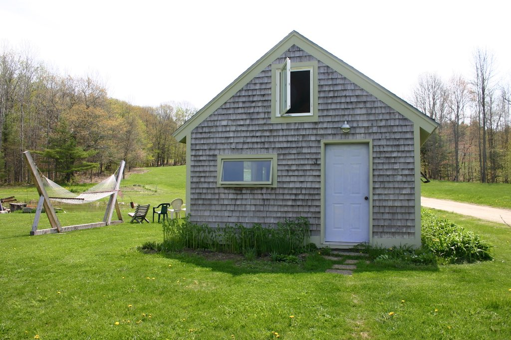 Merrymeeting cabin tiny house swoon for Saltbox barn