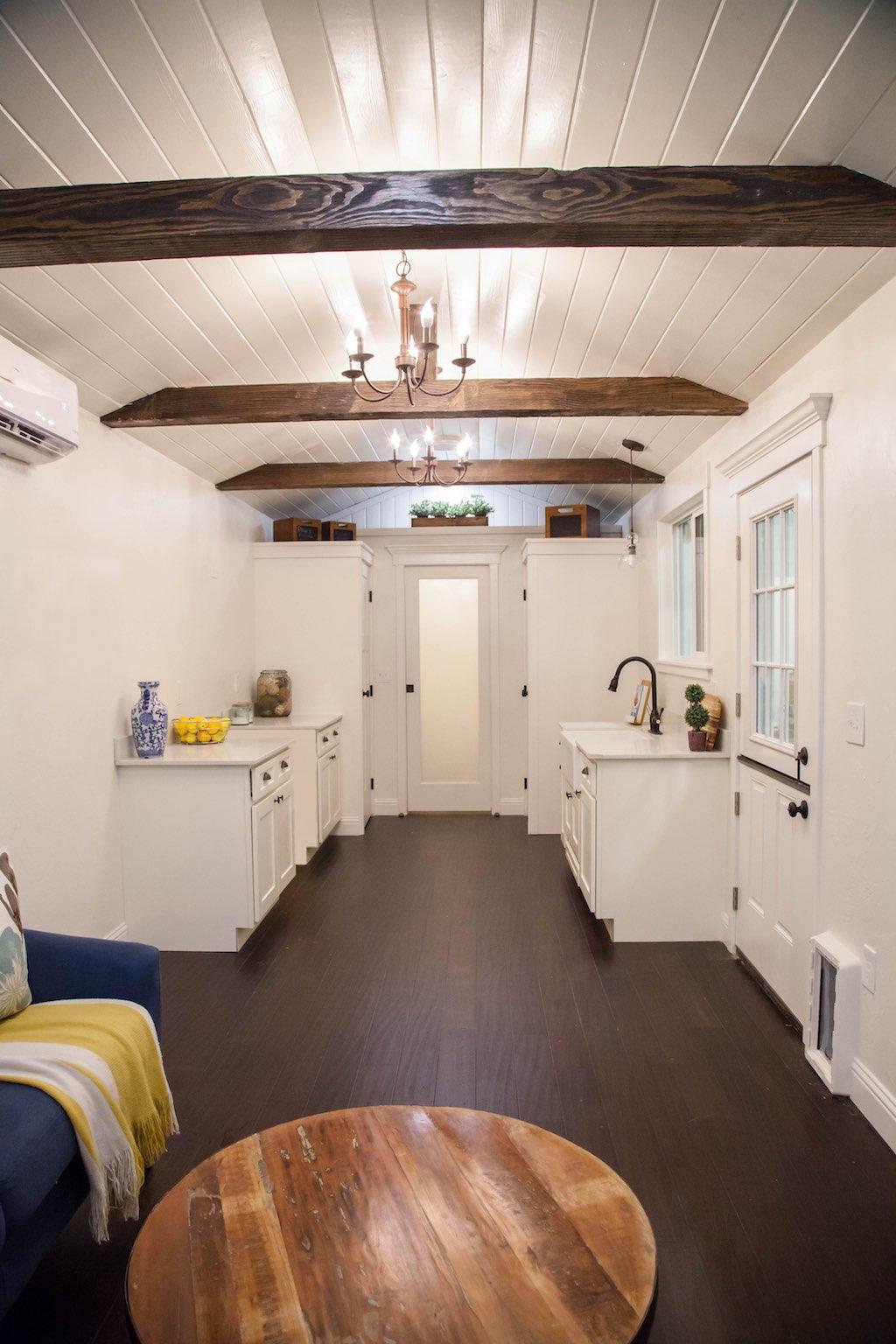 english-cottage-alpine-tiny-homes-2