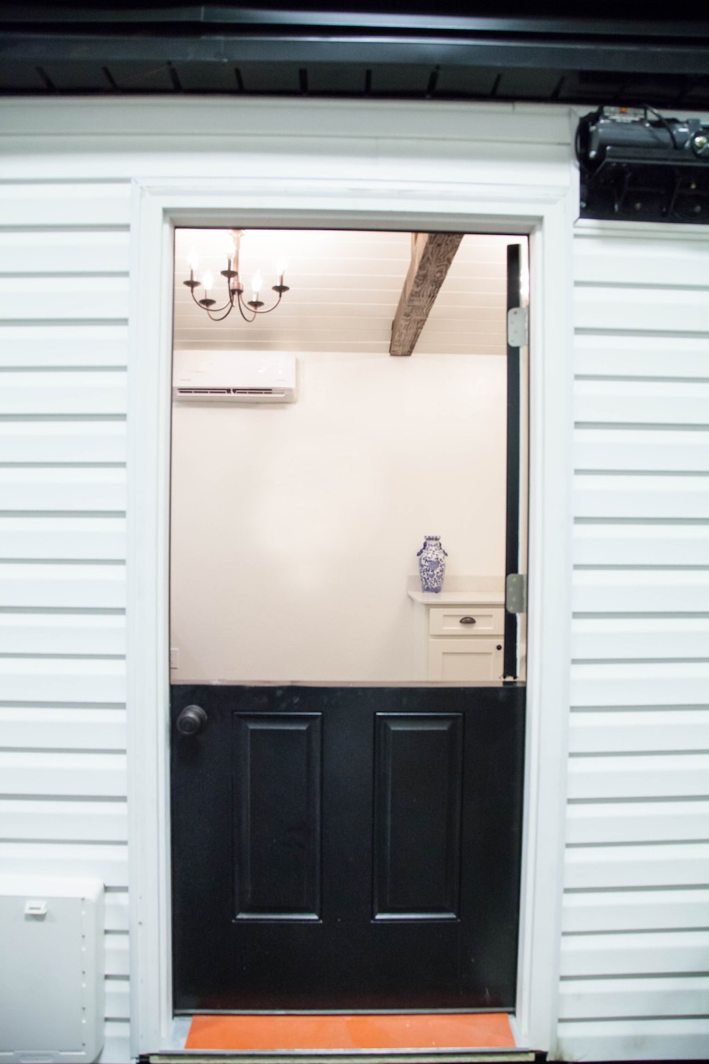 english-cottage-alpine-tiny-homes-8