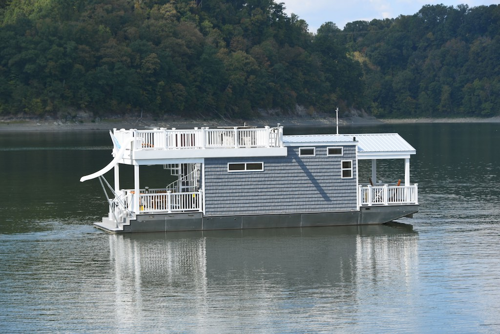 Harbor Cottage Houseboat Tiny House Swoon