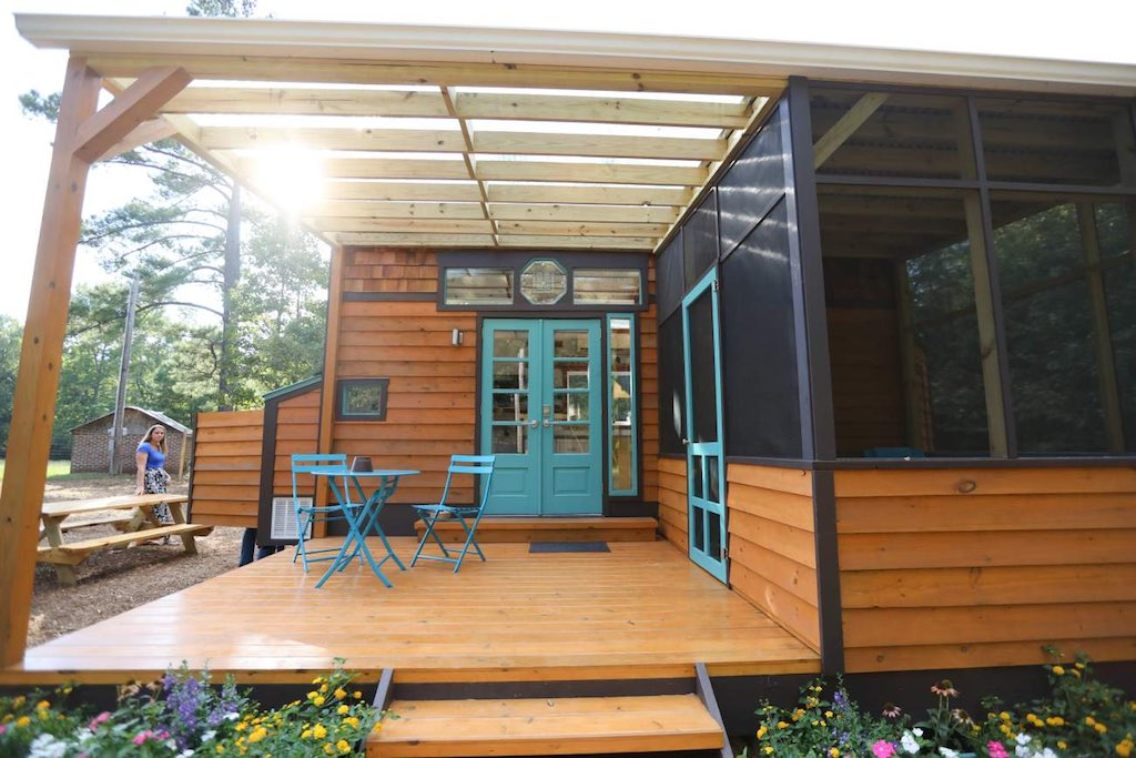 Callie and nathan 39 s tiny house tiny house swoon for Chapel hill house